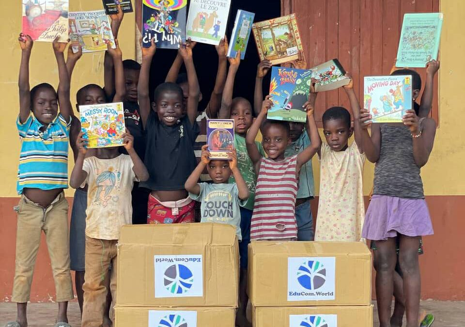 Basic School in Ghana receives donation from EduCom.World